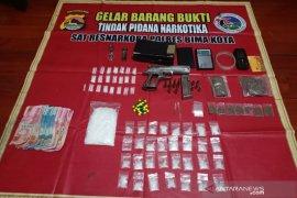 Polisi tangkap pemilik 1,5 ons sabu-sabu dan senpi rakitan