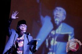 Puisi Taufik Ismail - MUHAMMADIYAH SATU ABAD DELAPAN TAHUN
