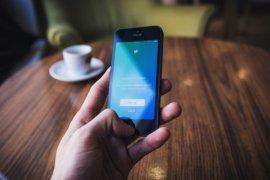 Pengguna yang me-retweet cuitan menyesatkan dapat peringatan dari twitter