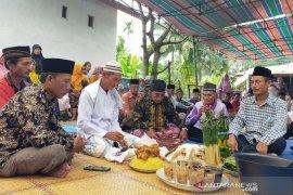 Tolak bala, warga Pasar Seluma Bengkulu gelar ritual adat