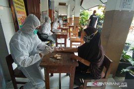 Polda Metro Jaya gelar tes cepat massal di Petamburan