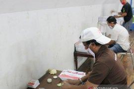 Target sortir lipat surat suara Pilkada Karawang selesai selama lima hari