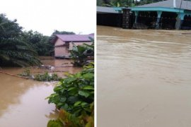 Floods swamp 1,078 homes in Langkat, North Sumatra