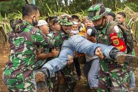 Evakuasi Warga Di Area Pertempuran Page 3 Small