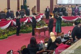 Ketua DPRD Medan lantik Haris Kelana Damanik  jadi anggota dewan