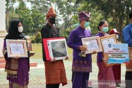 Pemkab Bangka terima empat penghargaan dari Pemerintah Provinsi Bangka Belitung