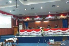 DPRD Belitung gelar paripurna pengesahan APBD 2021 secara daring