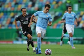 Pique cedera, Barca prioritas transfer Eric  Garcia dibandingkan Depay