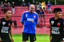 Pelatih dan pemain PSM fokus jaga stamina jelang Liga 1