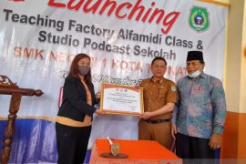 Peduli pendidikan, Alfamidi bekali siswa SMK di Ternate dengan laboratorium ritel