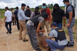 Buronan pelaku pembunuhan di Kalsel dihadiahi timah panas polisi