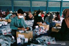 Ratusan surat suara Pilkada Rejang Lebong rusak