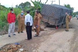 Tinjau jalan rusak di Kumpe Ulu, Ketua DPRD: kami minta Alkal segera atasi