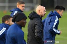 Ajax harap Klaassen dan Mazraoui siap turun lawan Midtjylland