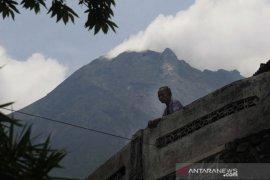 Gunung Merapi mengalami 44 kali gempa guguran
