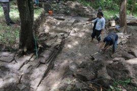 Eskavasi situs peninggalan Kediri - Majapahit