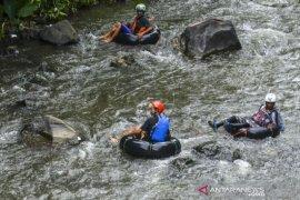 Mantan Napi Kelola Wisata River Tubing Page 1 Small