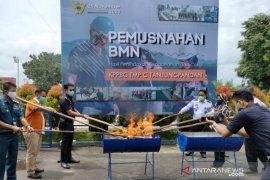 Kantor Bea Cukai Tanjung Pandan musnahkan 2.204 batang rokok ilegal