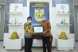 Wali Kota Banda Aceh terima penghargaan BPJS Ketenagakerjaan
