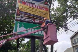 Satgas reklame Bapenda Kota Malang gelar operasi senyap