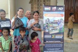 ACT Maluku berikan kebutuhan pokok untuk keluarga prasejahtera di Ambon