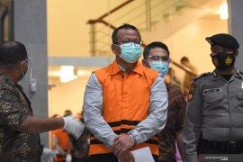 KPK menahan Menteri Kelautan dan Perikanan Edhy Prabowo