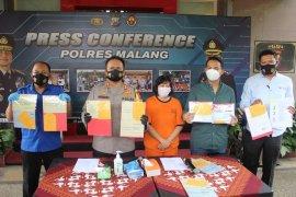 Polres Malang tangkap perempuan pelaku penggelapan uang nasabah