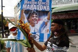 Mengenang Legenda Sepakbola Dunia Maradona Page 1 Small