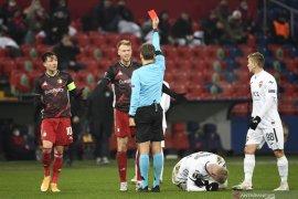 Feyenoord amankan satu poin dari CSKA dengan 10 pemain