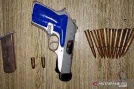 Jabatan oknum Kades Rejang Lebong tersangkut kepemilikan senpi ilegal diganti