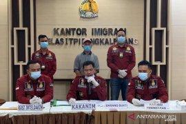 Kantor Imigrasi Pangkalpinang deportasi WNA asal Malaysia