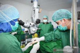 Pemprov Babel - RS Timah menggelar baksos operasi katarak
