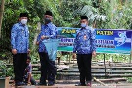HSS Regent and Deputy harvest pangasius fish