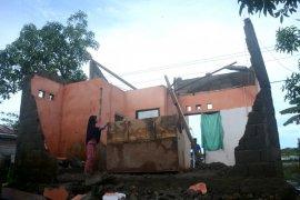 Puting beliung hancurkan satu rumah warga Bulungan