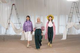 Dua jenama lokal kolaborasi lahirkan busana feminin gaya retro