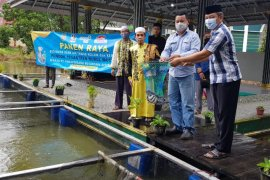 Ponpes Nurul Musthofa terima bantuan permodalan dari PAMA ADRO