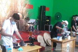 Pemuda antuasias ikuti lomba menyeduh kopi di Temanggung