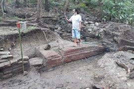Arkeolog temukan struktur petirtaan Gunung Klotok Kediri miliki dua bilik