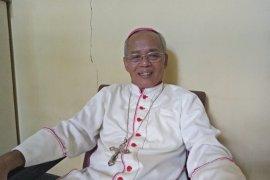 Uskup Murwito ajak warga Asmat serius mencegah penularan COVID-19