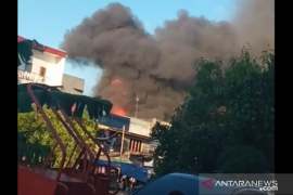 Belasan rumah di Angke Jakarta Barat terbakar
