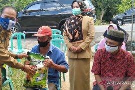 Pemerintah Kabupaten Bangka salurkan 1.448 paket bantuan bahan pokok