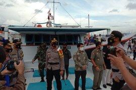 Logistik Pilkada Kabupaten Pangkep dikirim lebih awal ke pulau