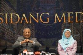 Berikut tanggapan Mahathir Mohamad atas tuduhan ikut merancang koalisi Perikatan Nasional