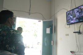 KPU Pariaman menambah kamera pengintai untuk tingkatkan keamanan logistik Pilkada