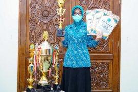Kota Pontianak juara umum lomba PKK-KKBPK-Kes tingkat Kalbar