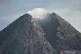 Sumber tekanan magma Gunung Merapi 1,3 km dari puncak