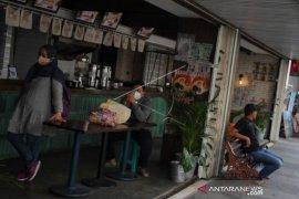 Pengurangan Jam Operasional Restoran