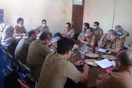 Sekda Pesisir Barat buka acara rapat perjanjian pengelolaan TNBBS