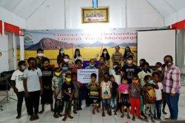 PT Pertamina serahkan bantuan 83 anak yatim di Papua