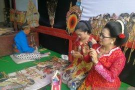 Balai Bahasa Jatim merevitalisasi sastra lisan Wayang Timplong